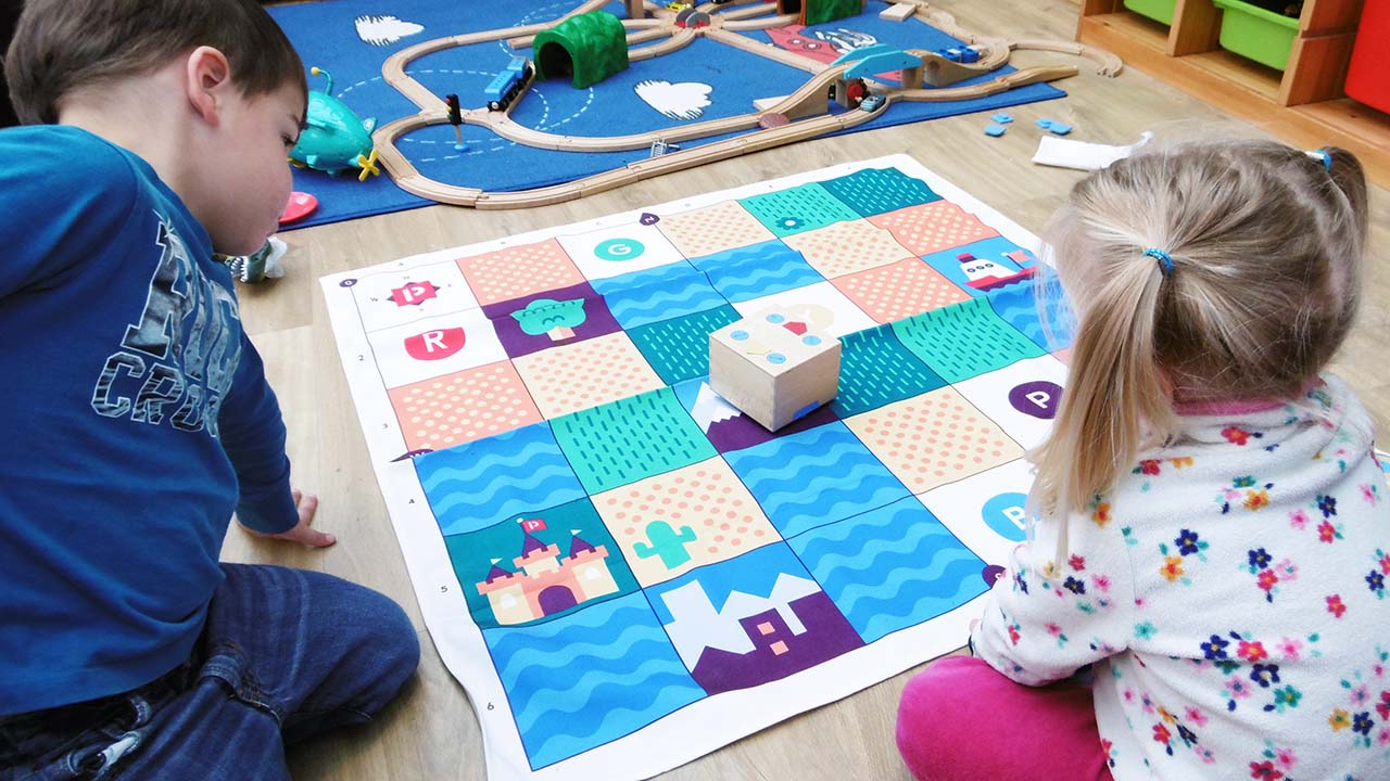 cubetto-wooden-coding-robot-review-preschoolers