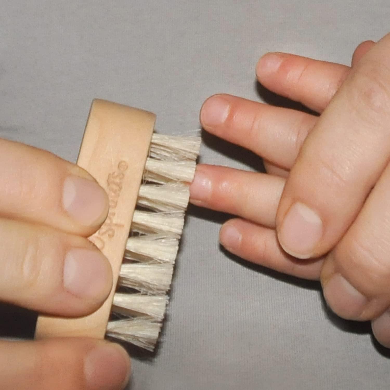 fingernailscrub